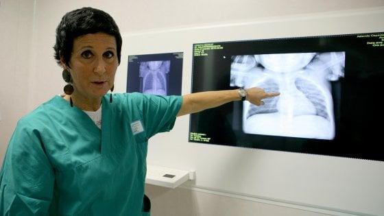 Parma, le 24 ore senza riposo della dottoressa Maria:  salva tre bimbi dal soffocamento