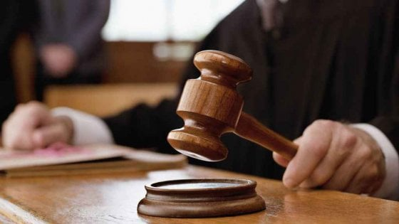 """""""Lo zio mi ha violentata"""": accuse false, condannata per calunnia"""