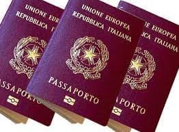 """""""Che impresa ottenere il passaporto in questura"""""""