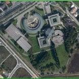 Via Spezia, il nuovo centro -   Foto   Cavagnari all'insegna del verde