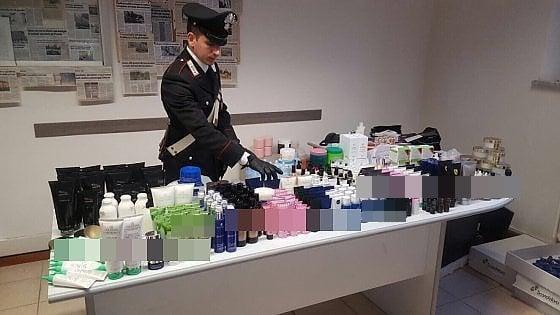 Dipendente e ladro: ruba all'azienda oltre 30mila euro di cosmetici