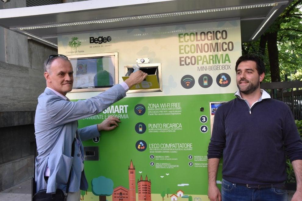 Parma, con eco-compattatori wi-fi gratuito e ricarichi batteria