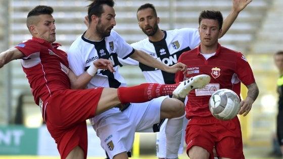 "Scommesse Parma-Ancona, indagini proseguono. Carra: ""Niente da nascondere"""