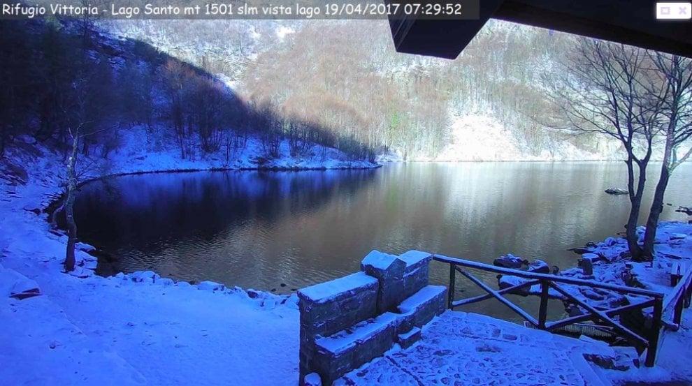 Dopo il gran caldo ecco la neve sull'appennino Parmense - Foto