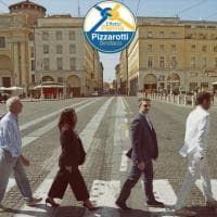 Pizzarotti, foto elettorale in stile Beatles