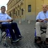 Pizzarotti e Scarpa  in carrozzina nella città  dei disabili -   Video