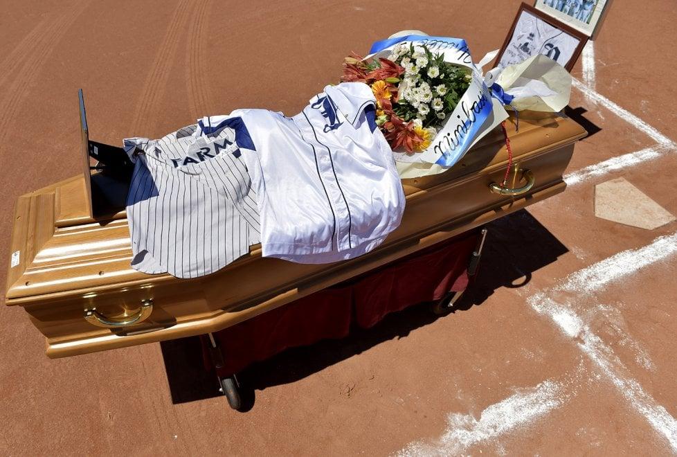 Parma, baseball in lutto: il saluto a Ferrarini sul diamante della Crocetta