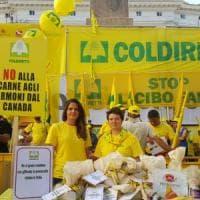 Ceta, Coldiretti in piazza: no al Parmigiano prodotto all'estero