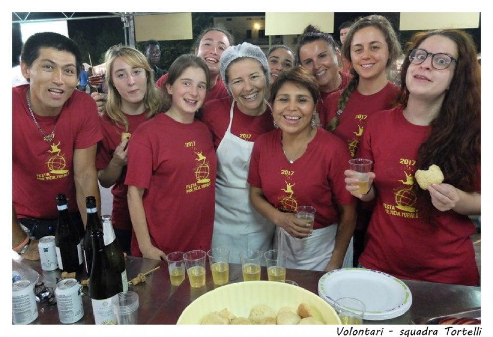 Arrivederci alla Festa Multiculturale: i saluti dalle cucine