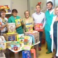 Pediatria ospedale di Vaio: libri in regalo ai piccoli pazienti