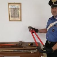 Via Emilia ovest: donna aggredita a pugni