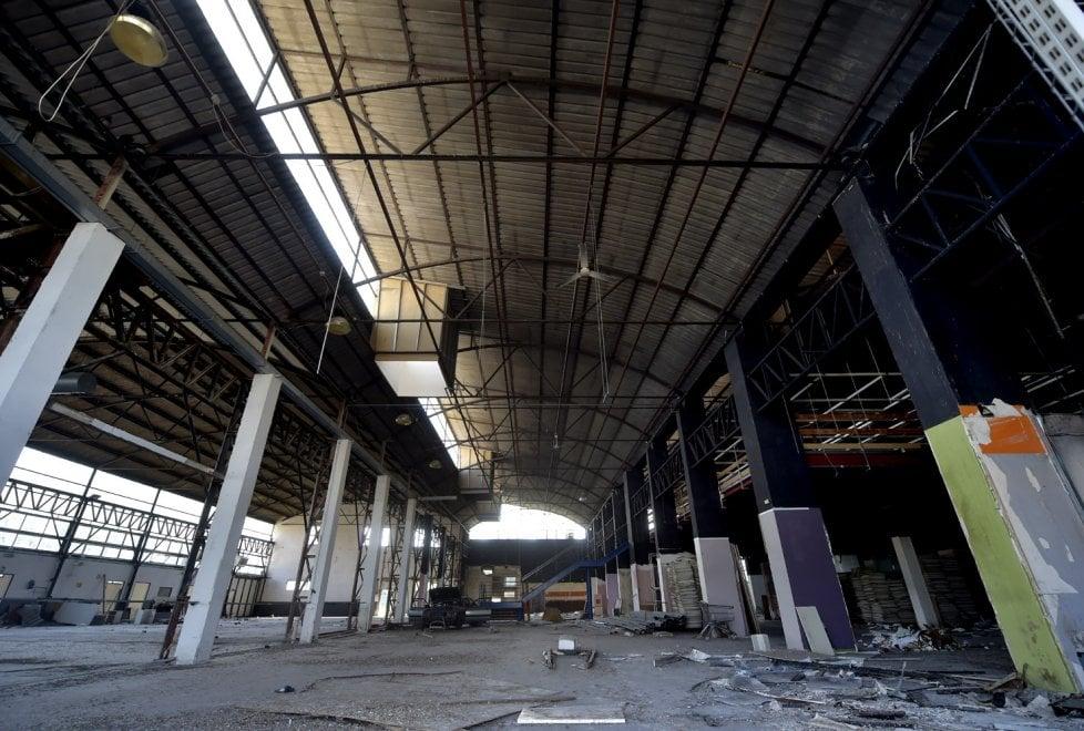 Parma, la desolazione dell'ex mobilificio Aiazzone - Foto