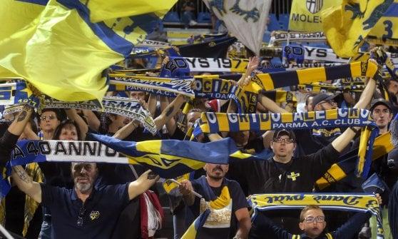 Il Parma vince a Novara ed è a punteggio pieno