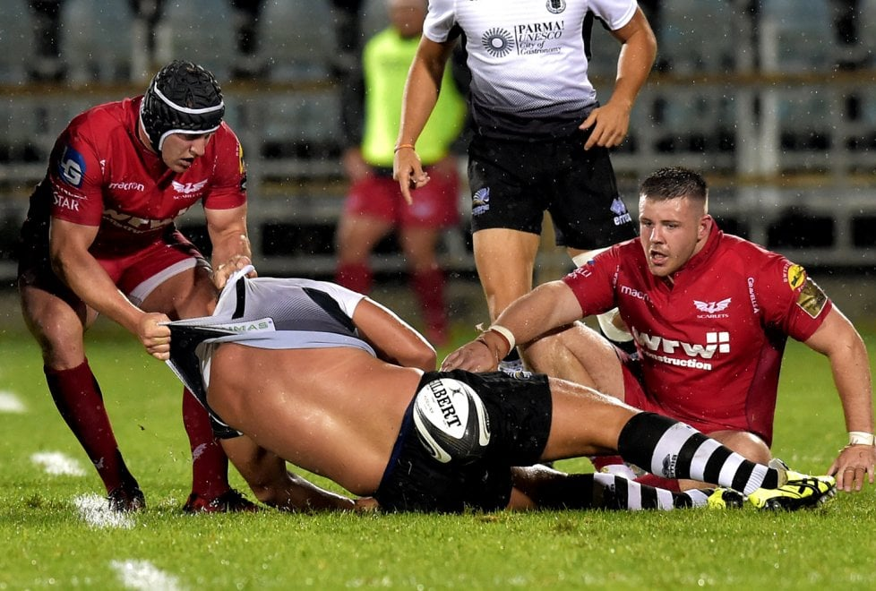 Rugby, Scarlets schiacciano le Zebre al Lanfranchi