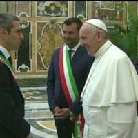 Migranti, Pizzarotti in Vaticano: