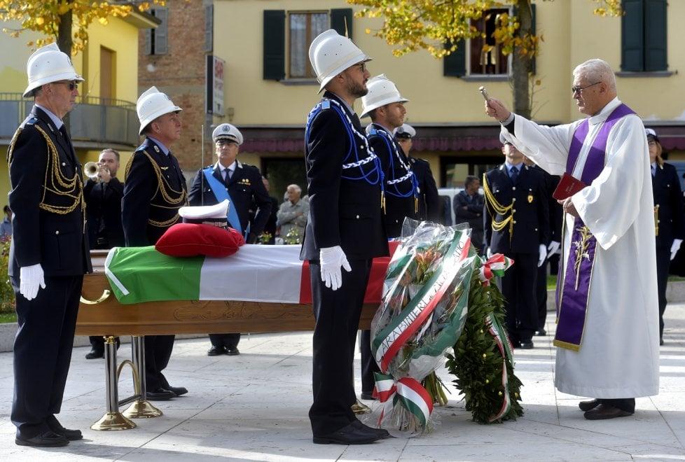 A Medesano l'ultimo saluto al comandante dei vigili Dodi - Foto