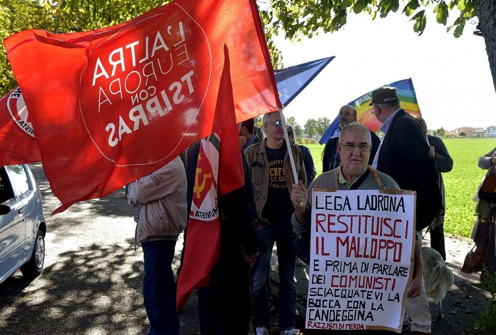 """Soragna, sinistra in piazza: """"Anticomunismo non passerà"""" - Foto"""