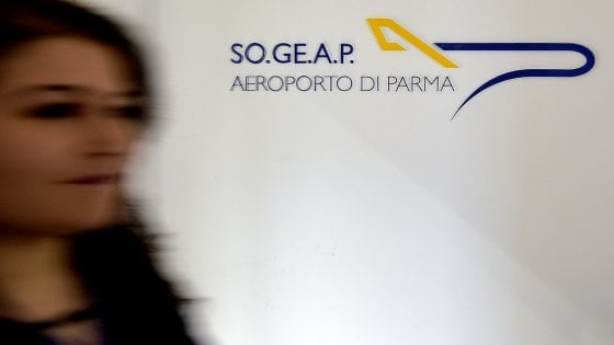 Aeroporto di Parma in bilico: Comune pronto a versare 1,5 mln