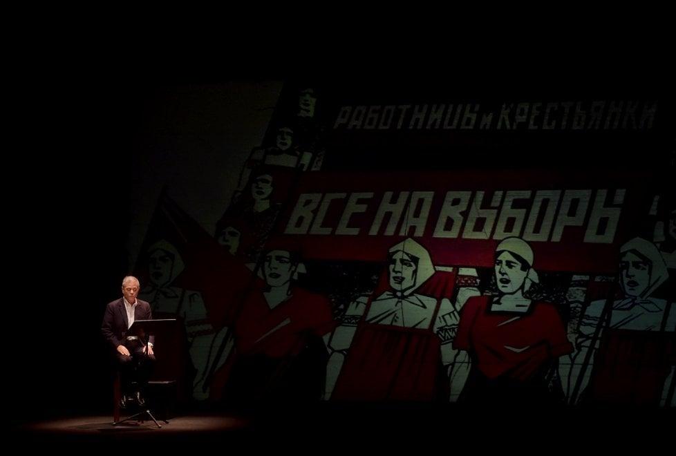 Cronache di una rivoluzione di Ezio Mauro: teatro esaurito a Parma - Foto