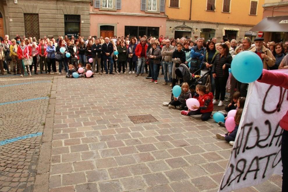 Sanità, in piazza a Borgotaro contro la chiusura del punto nascite