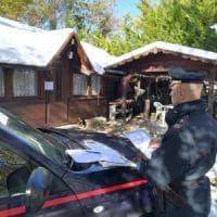Bungalow e roulotte abusivi nel camping: maxi sequestro a Berceto