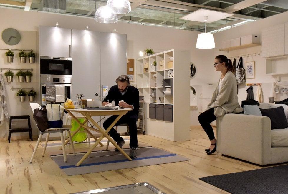Parma, all'Ikea in scena la violenza domestica  - Foto