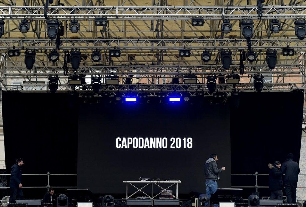 Parma, piazza Garibaldi pronta per ospitare Fedez