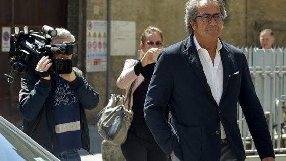 Parma, intascava tasse dei master: sequestrati 1,7 milioni al professor Fanelli
