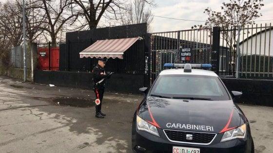 Parma, dà in escandescenze all'ingresso del Mu: feriti due carabinieri