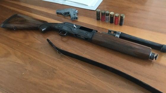 Fucile rubato nascosto nel soppalco: un arresto a Parma