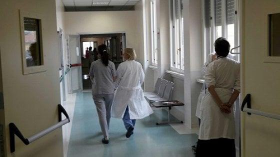 Parma |  in 5mila per un posto da infermiere |  Ausl affitta le Fiere