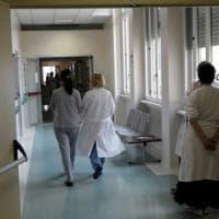 Parma, in 5mila per un posto da infermiere: Ausl affitta le Fiere