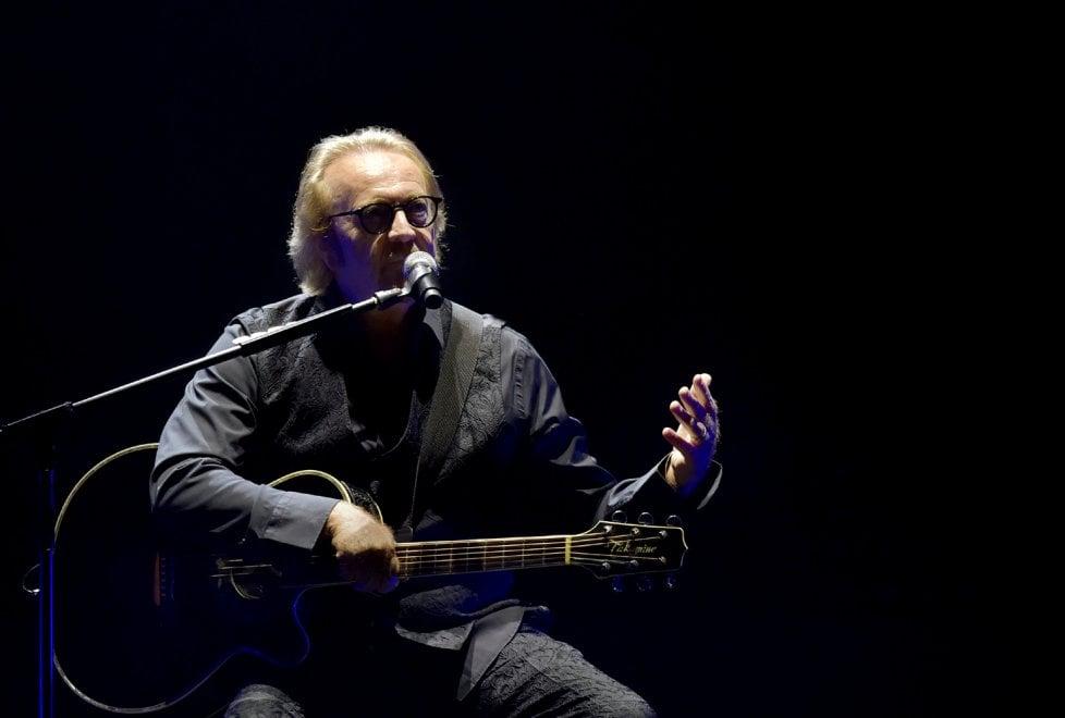 Umberto Tozzi apre il tour a Parma: le foto del concerto