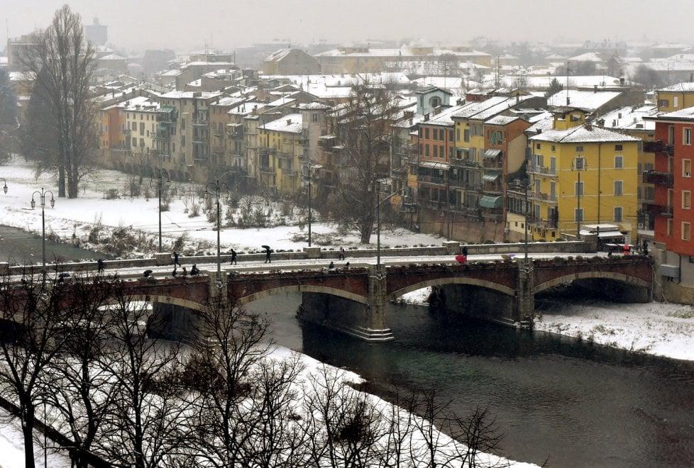 Parma innevata: come una cartolina - Foto