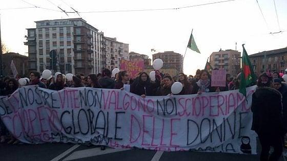 Parma, il corteo dello sciopero delle donne