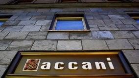 Chiude Ottica Saccani di via Farini