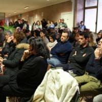 Laminam, scuola gremita a Borgotaro per il consiglio straordinario