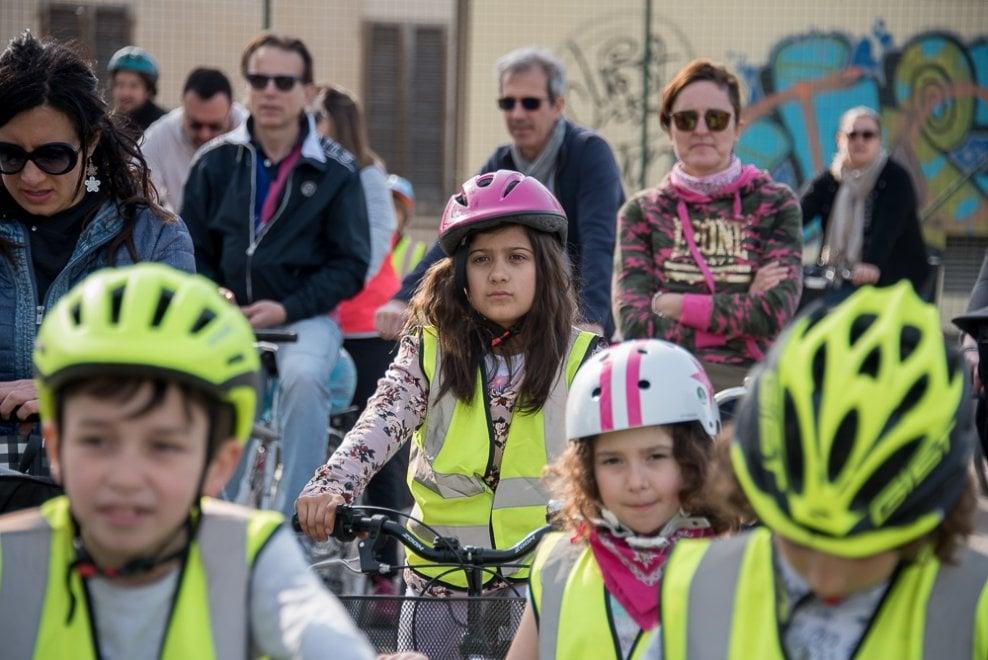Famiglie in bici: successo della prima tappa Parma-Gaione - Foto