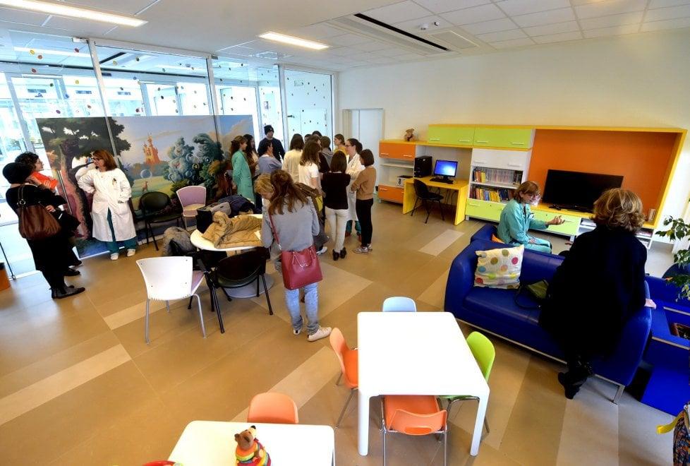 Film, libri e dischi: ai giovani pazienti l'aiuto degli studenti di Parma - Foto