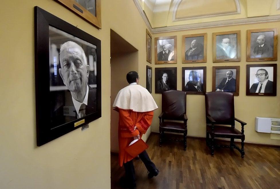 Parma, il ritratto di Borghi nella galleria dei rettori - Foto