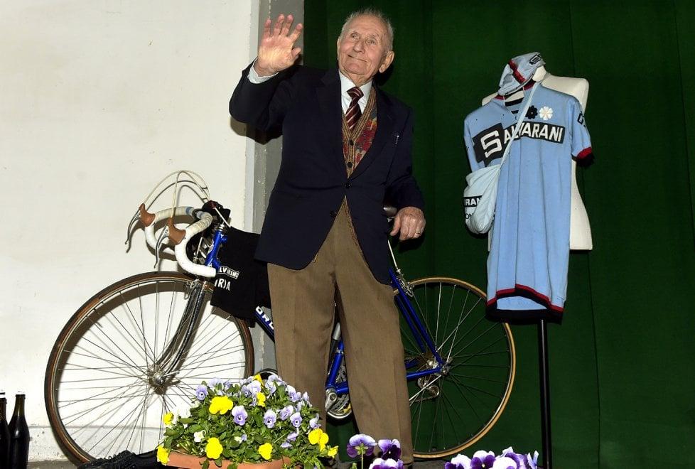 Parma, grande festa a Baganzola per i 92 anni di Renzo Salvarani - Foto
