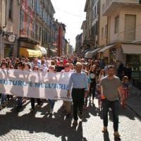 Il futuro è nell'aria: centinaia in corteo a Borgotaro - Foto