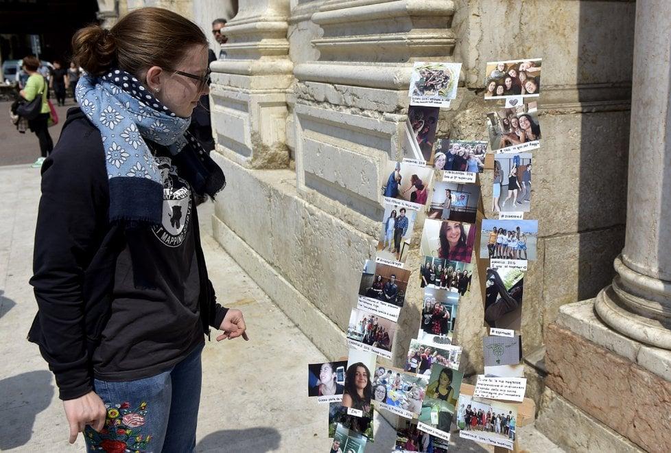 Reggio Emilia, duomo stipato per l'addio a Rebecca - Foto