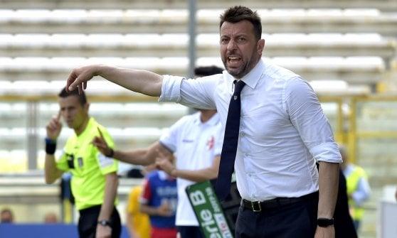 Gagliolo affonda il Bari. Parma, tutto in 90': serie A o playoff