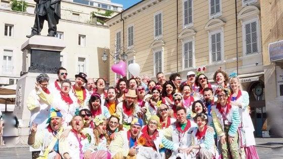 Parma, la giornata del Naso Rosso in piazza Garibaldi