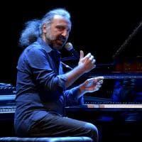 Musica, concerto di Bollani al Regio di Parma: guarda chi c'era