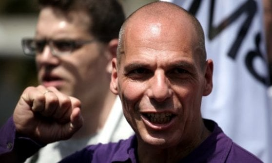 Pizzarotti referente in Italia del movimento di Varoufakis