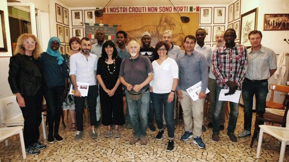 Anpi di Parma con i rifugiati e gli immigrati - Foto