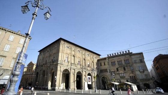 Più potere ai dirigenti: cambia l'organizzazione interna del Comune di Parma