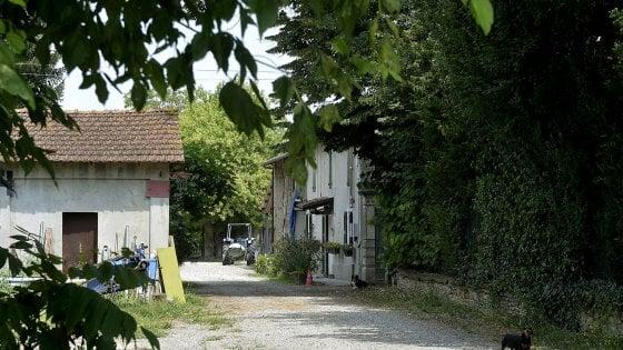 Parma, morto l'uomo precipitato dal tetto dopo il tentato femminicidio della moglie